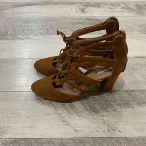 Halogen 'Sydney' block high heels